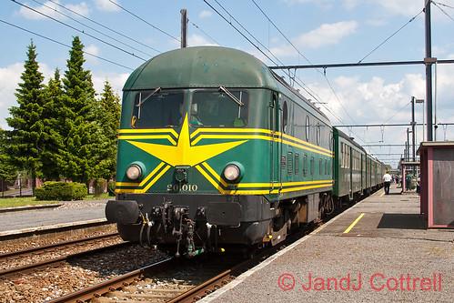 201 010 at Piéton