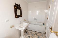 Nora Dahabiya Bathroom Tub