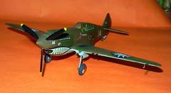 Monogram 1/48 AVG Curtiss P-40B.