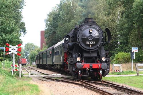 2008-09-07; 0014. VSM52 8053 met trein 51. Soerense Zand Noord, Eerbeek. Terug naar Toen.