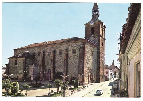 Herencia (Ciudad Real) :Plaza del Generalísimo y templo parroquial...