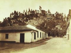 Calle del Chirimoyo (calle Moneda actual) y al fondo la calle del Bretón y en primer plano la actual Miraflores,  que por aquellos años era la calle Angosta de las Recogidas