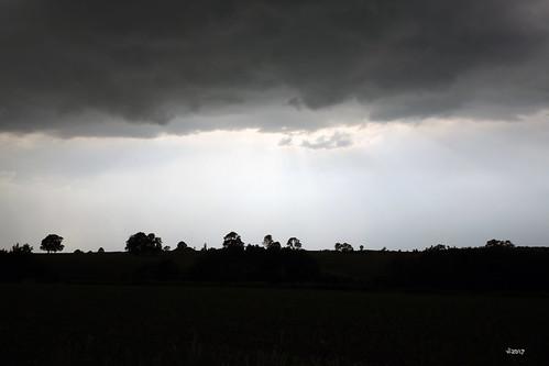 Ciels et paysages orageux - Mai 2017 2017-05-29 19-16-54_138 - mod et signe