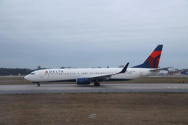 Delta N822DN: Boeing 737-900