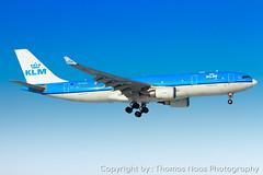 KLM Royal Dutch Airlines, PH-AOM