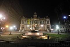 centro de Porto Alegre à noite