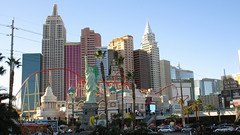Nevada - Las Vegas: Since January 1997 one of the most famous sights of the gambling town - NEW YORK - NEW YORK Hotel & Casino