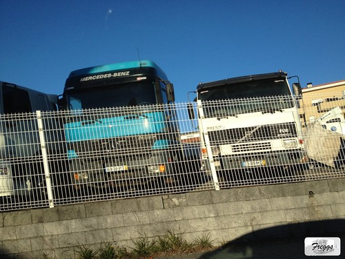 Mercedes Actros MP1 & Volvo FL12 - Portugal