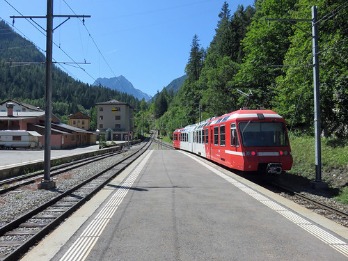 Mont Blanc express crosses into France