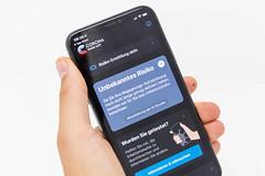 Die Corona-Warn-App der Bundesregierung, dessen Download freiwillig ist, nutzt die Bluetooth-Technik