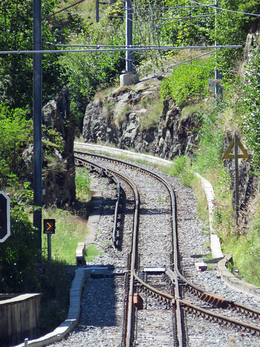 Power changes to third rail on the French side of the border at Chatelard
