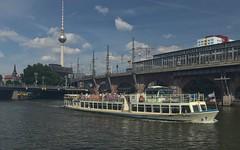2018-08-12 DE Berlin-Mitte, Spree, Jannowitzbrücke, Berlin Jannowitzbrücke, Berliner Fernsehturm, Bon Ami 04403930