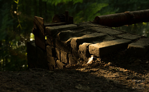 UItgesleten stenen bij 1 van de waterwerken
