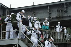 Sailors disembark USS Harry S. Truman (CVN 75)