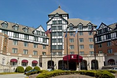 Hotel Roanoke and Convention Center