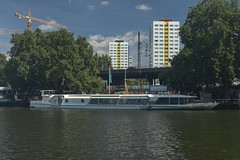 2018-08-12 DE Berlin-Mitte, Spree, Pier Jannowitzbrücke, Sanssouci 05613760
