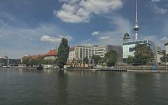 2018-08-12 DE Berlin-Mitte, Spree, Rolandufer, Botschaft des Königreichs der Niederlande, Berliner Fernsehturm