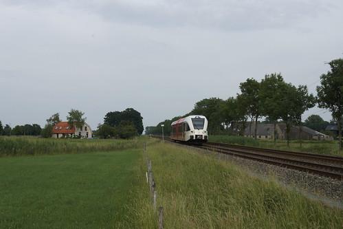 Arriva Spurt 263 Jan Daalderop onderweg naar Tiel bij Hemmen 18-06-2020