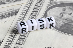 Risk text on Dollar banknotes