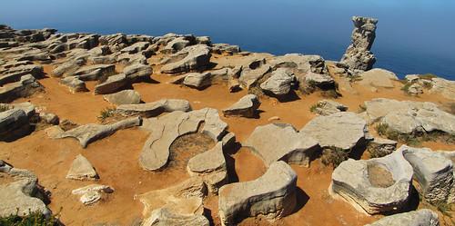 Lapiaz litoral semicubierto - Cabo Carvoeiro, Peniche (Portugal) - 01