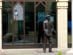 Northampton 045: Statue of Edgar Mobbs