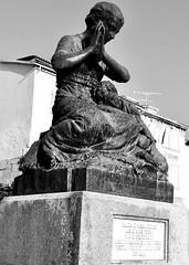Sulpture at the Mother's Garden -  José de Oliveira Ferreira (1883-1942)