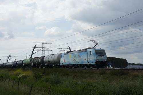 HSL WaveRider  186 364-6 met keteltrein over de Betuweroute richting Emmerich 20-06-2020