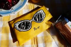 Pinup purse