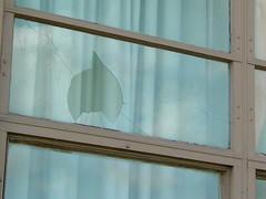 Broken window at Skyline Parkway Motel