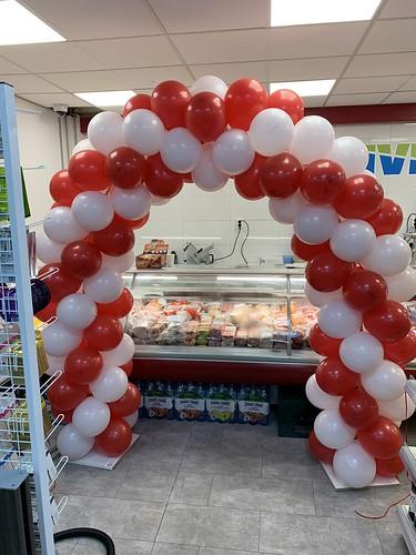 Ballonboog 5m Opening Poolse Supermarkt Katendrechtse Lagedijk Rotterdam