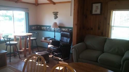 Sandpiper Cottage | Fishing Cabins | Deer Lake Resort | AirBnB, VRBO, Booking.com