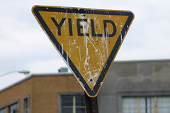 Yield Sign - Thick Letters