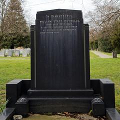 Art Deco gravestone - City of London Cemetery and Crematorium - William Starr Reynolds