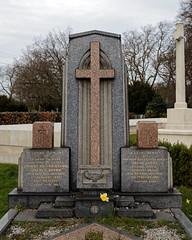 Art Deco gravestone - City of London Cemetery and Crematorium - Charles William and Sarah Brown
