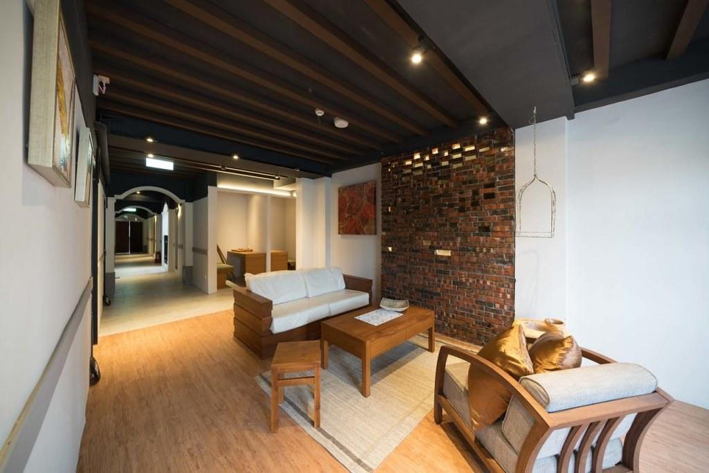 Phoenix Hostel 2