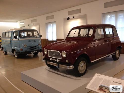 Renault 4L & Renault Estafette - Caramulo