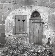 La cathédrale Saint-Maurice de Mirepoix. Mirepoix, Ariège. Rolleiflex 3,5. Ilford FP4+ [ref:02]