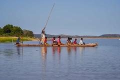 Crossing Manambolo R.