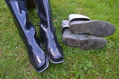 371 -- Testing NEW Wellies to replace my wornout & damaged dunlop boots