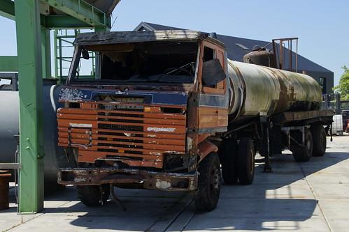 Scania Truck oefenobject in het Brandweeroefencentrum Noord in Wijster 26-06-2020