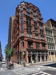 889 Broadway