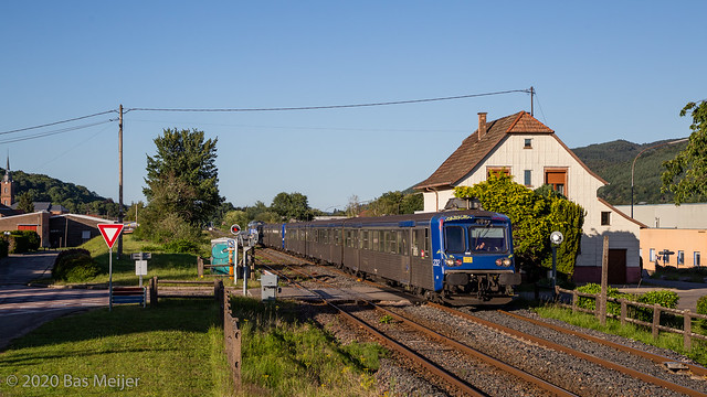 Photo:230620 | SNCF 232, 236 + 67591 | TER 831834 | Wisches. By srmeijer