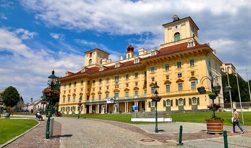 Kismarton, Esterhazy-kastély