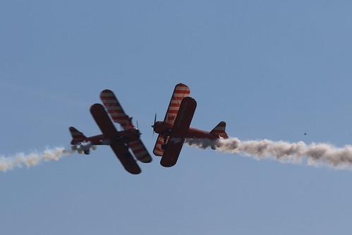 2019-08-24; 0483. Boeing Stearman PT-17 Kaydet A75N1 (1941), AeroSuperBatics Wingwalkers, G-IIYI en N74189. Wings of Freedom, Ede.