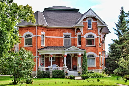 Belleville Ontario - Canada - Old East Hill Heritage  - 105 Bridge St E  - Architecture - Victorian