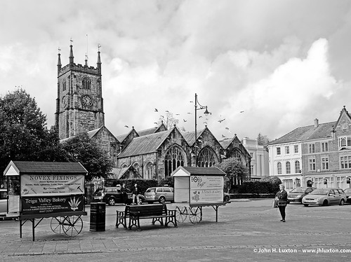 L2015_5428 St Eustacious Church - Bedford Square - Tavistock