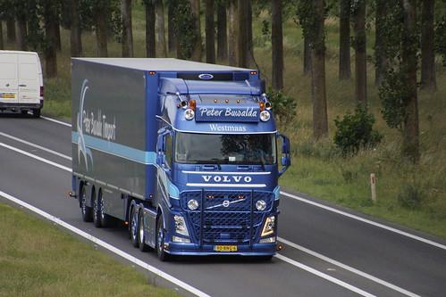 Volvo FH Peter Buwalda Westmaas met kenteken 90-BNG-6 op de A15 in Bemmel 30-06-2020