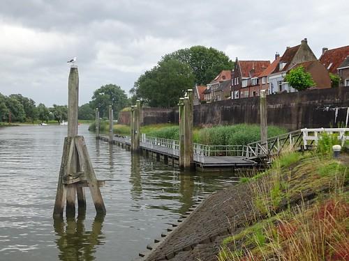 Woudrichem: Rijkswal