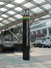 Entrance to L'Enfant Plaza station [02]
