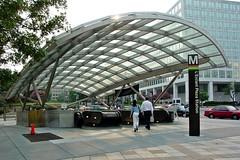 Entrance to L'Enfant Plaza station [01]